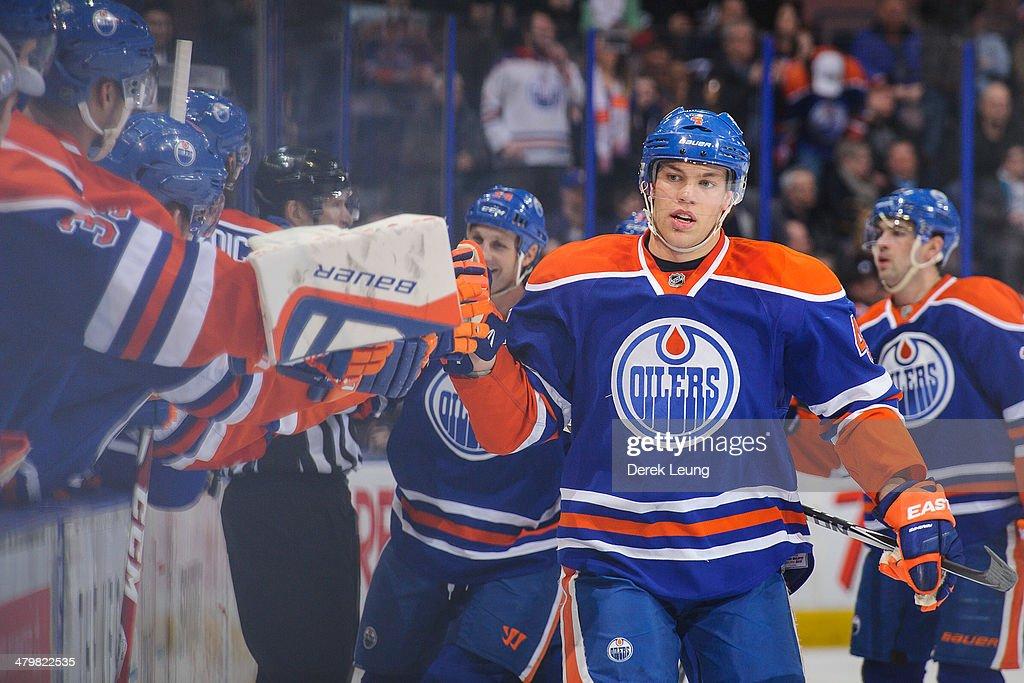 Buffalo Sabres v Edmonton Oilers : News Photo
