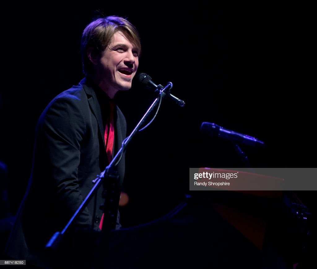Taylor Hanson of the band Hanson performs on stage at The Wiltern on December 6, 2017 in Los Angeles, California.