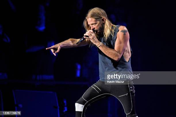 Taylor Hawkins of Foo Fighters perform onstage at The Forum on August 26, 2021 in Inglewood, California.