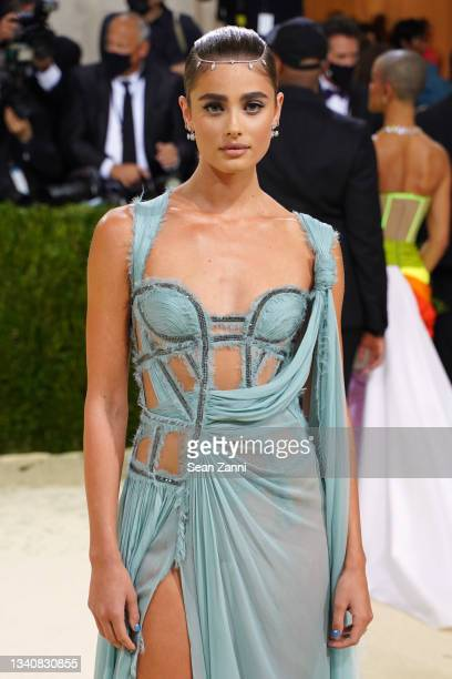 Taylor Hill attends 2021 Costume Institute Benefit - In America: A Lexicon of Fashion at the Metropolitan Museum of Art on September 13, 2021 in New...