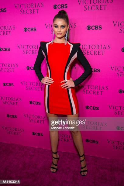 Taylor Hill attends the 2017 Victoria's Secret Fashion Show viewing party pink carpet at Spring Studios on November 28 2017 in New York City