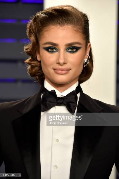 Taylor Hill attends the 2019 Vanity Fair Oscar Party hosted by Radhika Jones at Wallis Annenberg Center for the Performing Arts on February 24 2019...