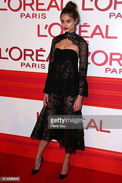 Taylor Hill attends the L'Oreal Red Obsession Party Photocall as part of the Paris Fashion Week Womenswear Fall/Winter 2016/2017 on March 8 2016 in...
