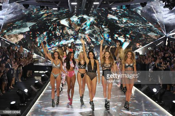 Taylor Hill Jasmine Tookes Elsa Hosk Adriana Lima Behati Prinsloo and Candice Swanepoel walk the runway during the 2018 Victoria's Secret Fashion...