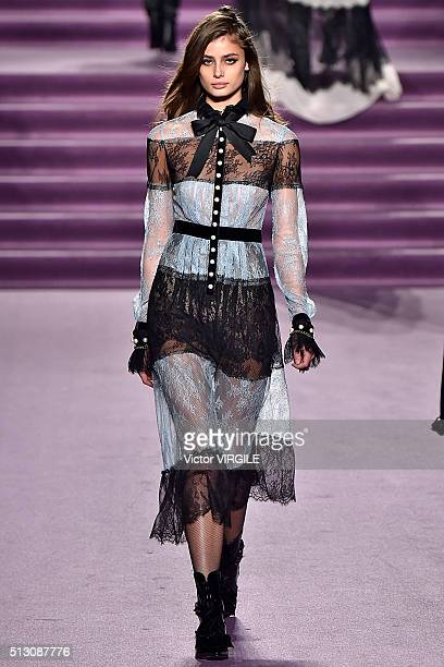 Taylor Hill walks the runway at the Philosophy di Lorenzo Serafini fashion show during Milan Fashion Week Fall/Winter 2016/2017 on February 27 2016...