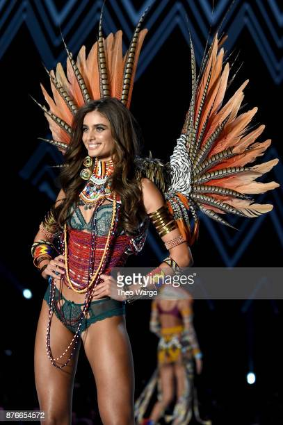 Taylor Hill walks the runway during the 2017 Victoria's Secret Fashion Show In Shanghai at MercedesBenz Arena on November 20 2017 in Shanghai China