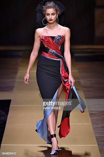 Taylor Hill walks the runway during the Atelier Versace Haute Couture Fall/Winter 20162017 show as part of Paris Fashion Week on July 3 2016 in Paris...