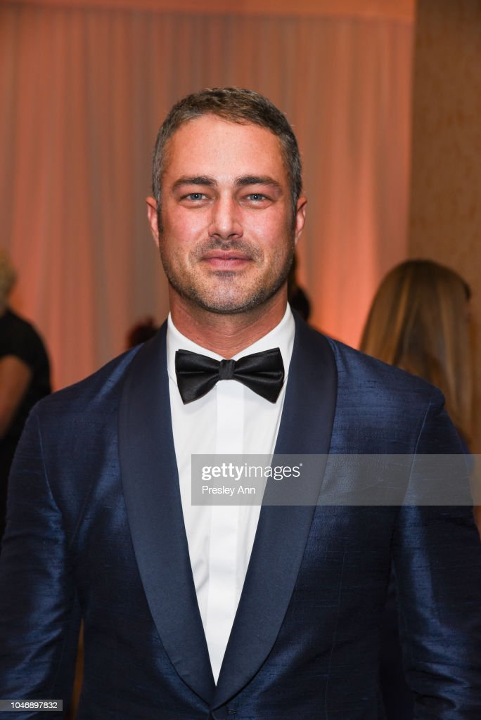 Is taylor kinney dating anyone 2018