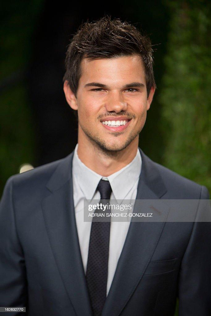 Taylor Lautner arrives for the 2013 Vanity Fair Oscar Party on February 24, 2013 in Hollywood, California.