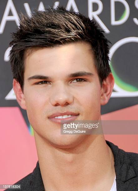 Taylor Lautner attends Nickelodeon's 23rd Annual Kids' Choice Awards held at Pauley Pavilion at UCLA on March 27, 2010 in Los Angeles, California.