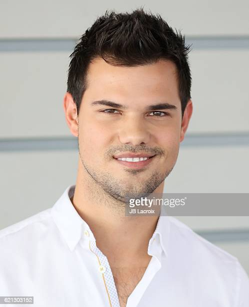 Taylor Lautner attends the 33rd Breeder's Cup World Championship on November 5 2016 in Arcadia California