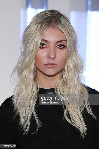 Taylor Momsen Stock Photos and Pictures | Getty Images Taylor Momsen