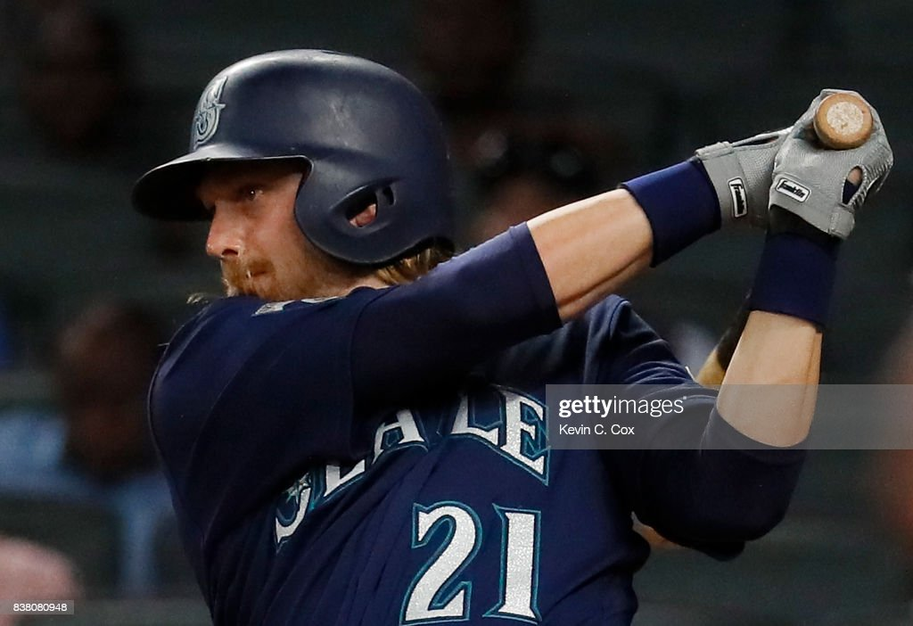 Taylor Motter #21 of the Seattle Mariners hits a two-RBI single in the eighth inning against the Atlanta Braves at SunTrust Park on August 23, 2017 in Atlanta, Georgia.