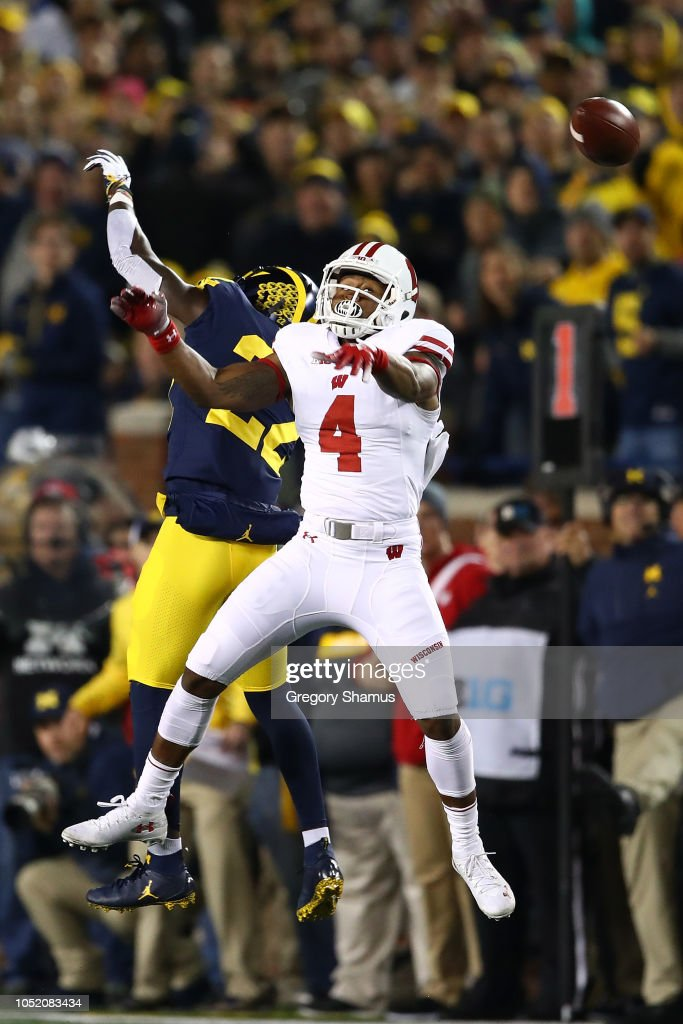 Wisconsin v Michigan : News Photo