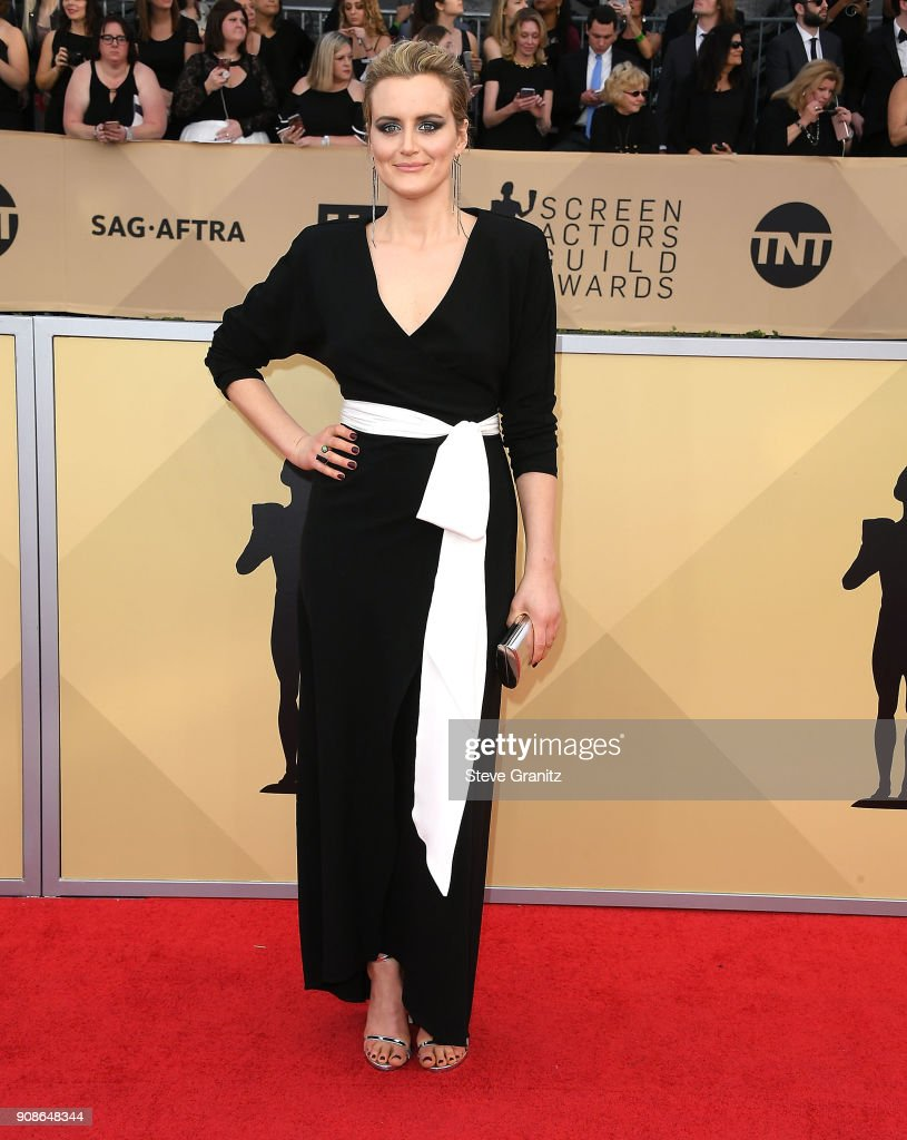 24th Annual Screen Actors-Guild Awards - Arrival : ニュース写真