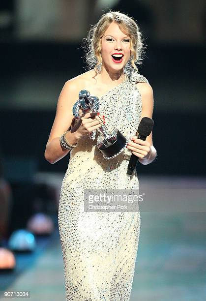 Taylor Swift accepts the 'Best Female Video' award at the 2009 MTV Video Music Awards at Radio City Music Hall on September 13 2009 in New York City