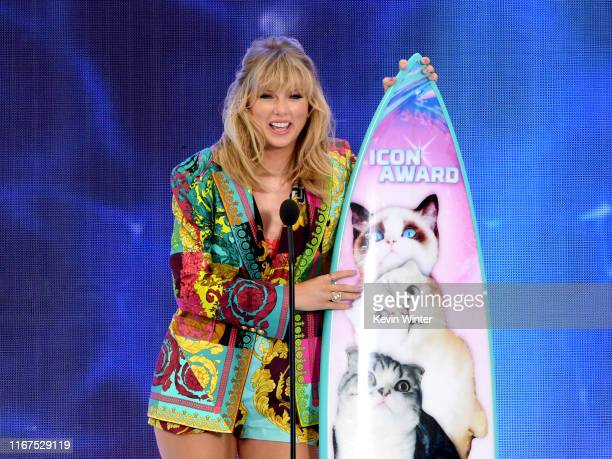 Taylor Swift accepts the Teen Choice Icon Award onstage during Fox's Teen Choice Awards at the Hermosa Beach Pier on August 11, 2019 in Hermosa...