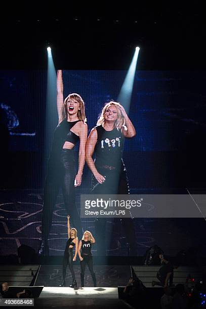 12 Taylor Swift The 1989 World Tour Live In Greensboro Photos And Premium High Res Pictures Getty Images