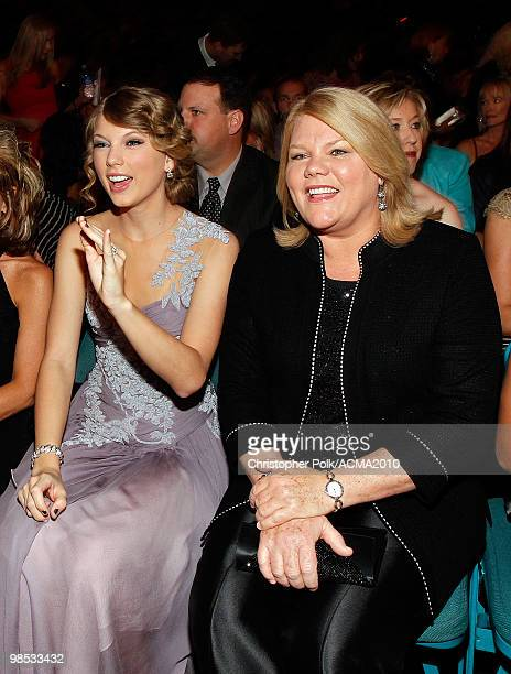 Taylor Swift and mother Andrea Swift pose from the audience at the 45th Annual Academy of Country Music Awards at the MGM Grand Garden Arena on April...