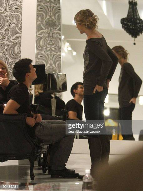 Taylor Swift and Taylor Lautner shop at the AliceOlivia Boutique on Robertson Blvd on October 28 2009 in Los Angeles California