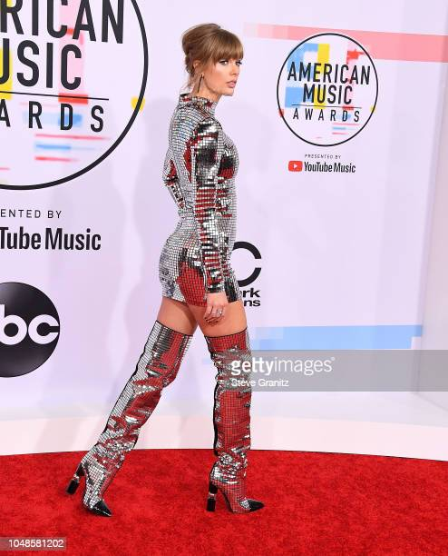 Taylor Swift arrives at the 2018 American Music Awards at Microsoft Theater on October 9 2018 in Los Angeles California