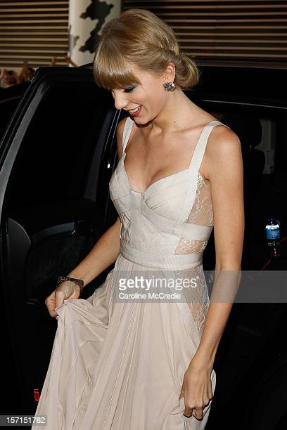 Taylor Swift arrives at the 26th Annual ARIA Awards 2012 at the Sydney Entertainment Centre on November 29 2012 in Sydney Australia