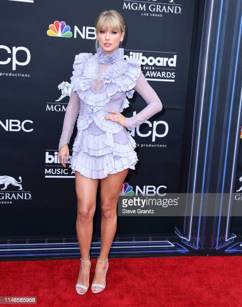 Taylor Swift arrives at the Billboard Music Awards at MGM Grand Garden Arena on May 01 2019 in Las Vegas Nevada