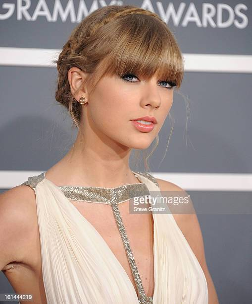 Taylor Swift arrives at the The 55th Annual GRAMMY Awards on February 10 2013 in Los Angeles California