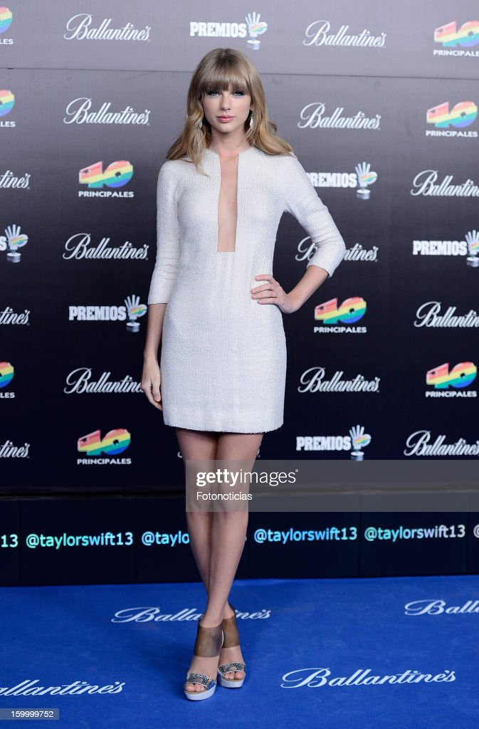Taylor Swift arrives to '40 Principales Awards' 2012 at the Palacio de Deportes on January 24, 2013 in Madrid, Spain.