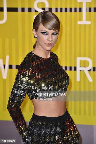 Taylor Swift arrives to the 2015 MTV Video Music Awards at Microsoft Theater on August 30 2015 in Los Angeles California