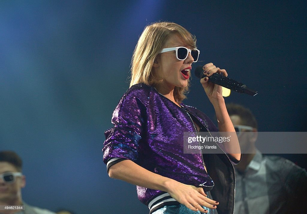 Taylor Swift The 1989 World Tour Live In Miami : News Photo