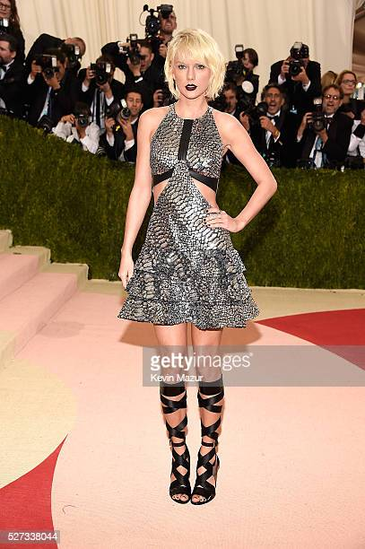 Taylor Swift attends 'Manus x Machina Fashion In An Age Of Technology' Costume Institute Gala at Metropolitan Museum of Art on May 2 2016 in New York...