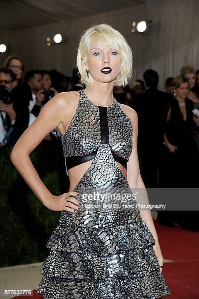 Taylor Swift attends Manus x Machina Fashion In An Age Of Technology Costume Institute Gala at