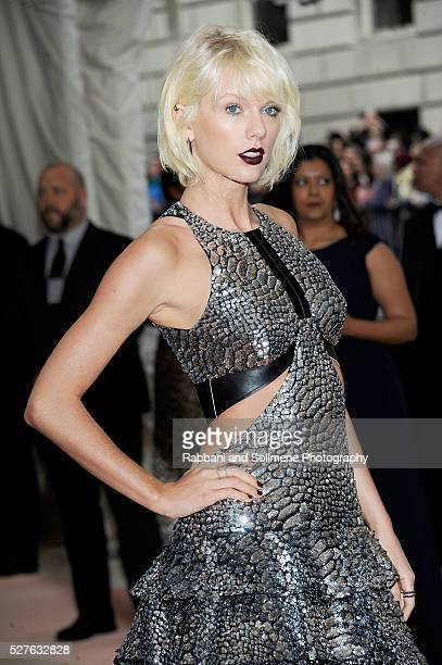Taylor Swift attends 'Manus x Machina Fashion In An Age Of Technology' Costume Institute Gala at