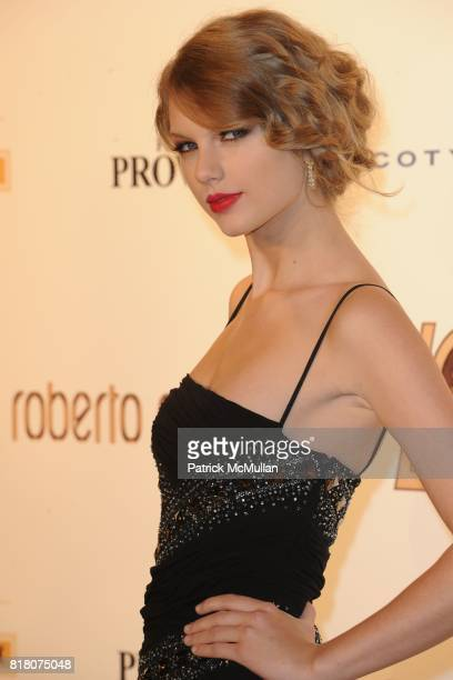 Taylor Swift attends ROBERTO CAVALLI 40th Anniversary Event CONTACT SIPA PRESS FOR SALES at Les BeauxArts de Paris on September 29 2010 in Paris...