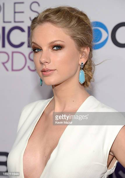Taylor Swift attends the 2013 People's Choice Awards at Nokia Theatre LA Live on January 9 2013 in Los Angeles California