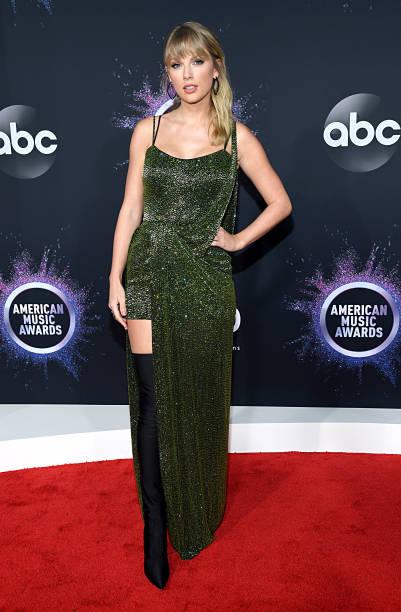 CA: 2019 American Music Awards - Red Carpet
