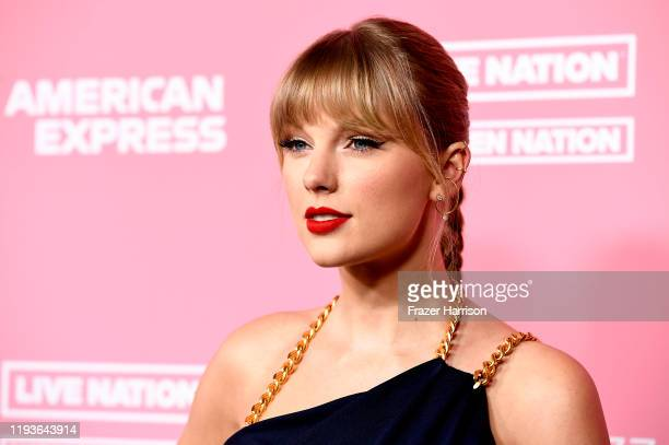 Taylor Swift attends the 2019 Billboard Women In Music at Hollywood Palladium on December 12, 2019 in Los Angeles, California.