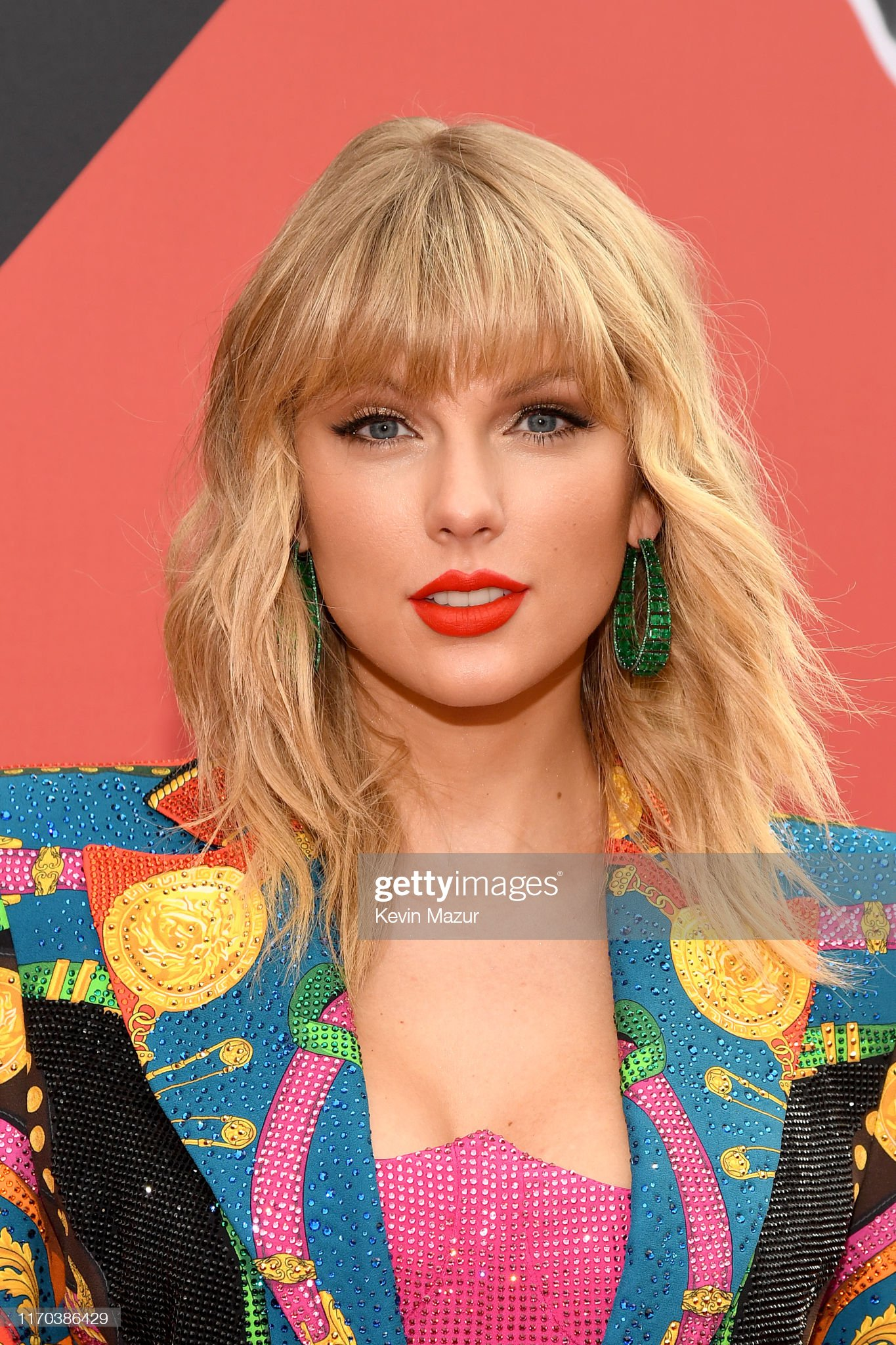 Ojos azules - personas famosas con los ojos de color AZUL Taylor-swift-attends-the-2019-mtv-video-music-awards-at-prudential-picture-id1170386429?s=2048x2048