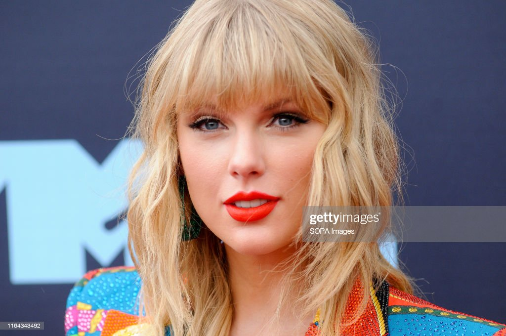 Taylor Swift attends the 2019 MTV Video Music Video Awards... : News Photo