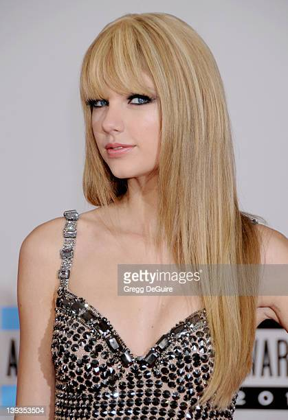 Taylor Swift attends the 38th Annual American Music Awards at Nokia Live on November 21 2010 in Los Angeles California