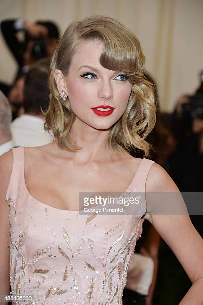 Taylor Swift attends the Charles James Beyond Fashion Costume Institute Gala at the Metropolitan Museum of Art on May 5 2014 in New York City