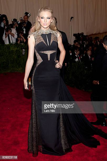 Taylor Swift attends the Costume Institute Gala for the 'PUNK Chaos to Couture' exhibition at the Metropolitan Museum of Art in New York City �� LAN