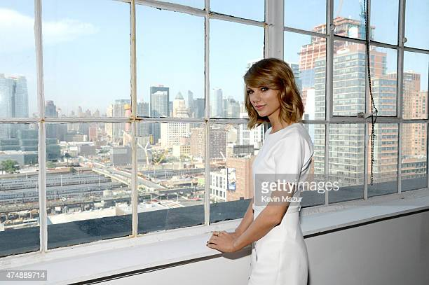 Taylor Swift attends the Keds and Taylor Swift 1989 Style Event at Canoe Studios on May 27 2015 in New York City