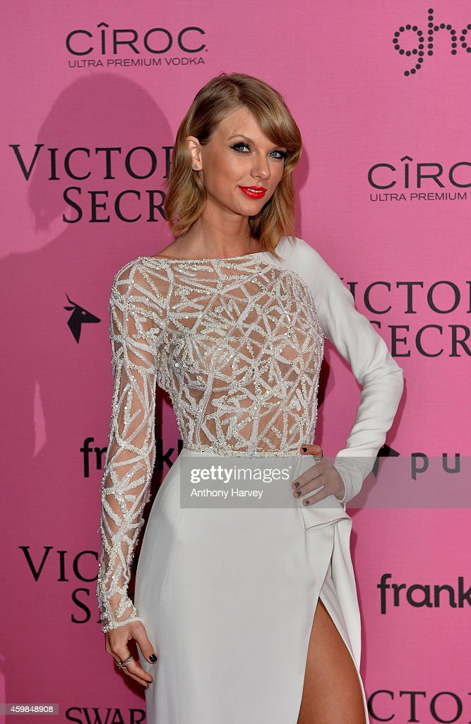 Taylor Swift attends the pink carpet of the 2014 Victoria's Secret Fashion Show on December 2, 2014 in London, England.