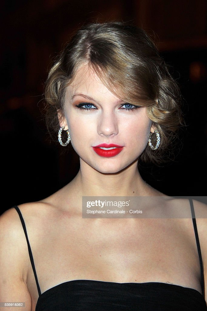 Taylor Swift attends the Roberto Cavalli Celebrate 40 Party at 'Les Beaux-Arts' in Paris.