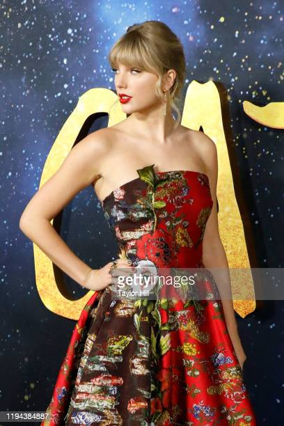 """Taylor Swift attends the world premiere of """"Cats"""" at Alice Tully Hall, Lincoln Center on December 16, 2019 in New York City."""