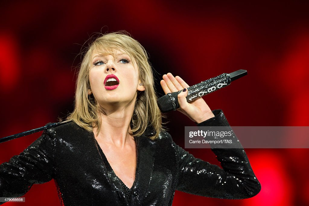 Taylor Swift The 1989 World Tour Live In Dublin - Night 2 : ニュース写真
