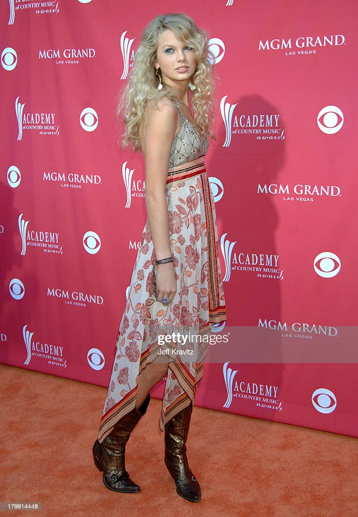 41st Annual Academy of Country Music Awards - Arrivals : News Photo