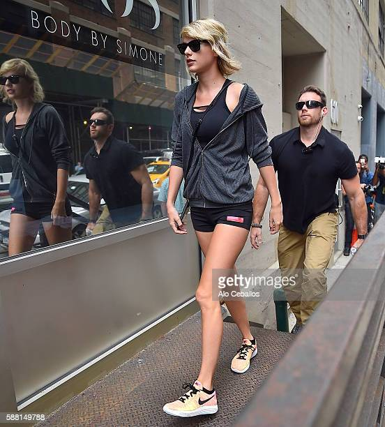 861 Taylor Swift Shorts Photos And Premium High Res Pictures Getty Images